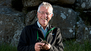 Dr Ants Roberts honoured for contribution to pastoral farming