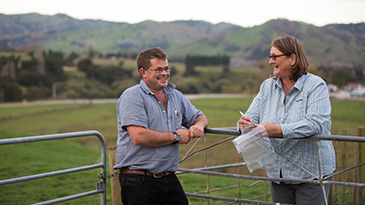 Tim Rhodes and Sue Quilter, Ravensdown Senior Agri Manager